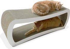 Tired of purchasing cat products that your feline loved ones get bored of, quickly? PetFusion's Jumbo Cat Scratcher Lounge serves double duty as both a cat scratcher and lounge that promises to keep your finicky companions coming back for more! Custom made for cats who enjoy scratching, playing, and lounging around! Cats love the feel of cardboard, recalling their days as kittens, and are natural scratchers. PetFusion's Cat Scratcher Lounge offers your cats a comfortable place to rest...