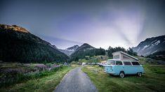 Der Camping im Lötschental auf der Fafleralp liegt im UNESCO Weltnaturerbe Schweizer Alpen Junfrau-Aletsch und ermöglicht Ferien auf eine besondere Art. Camping Spots, Wood Burner, Carbon Footprint, Stables, Stove, Building, Vw Bus, Travel, Switzerland