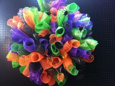 Halloween mesh curly wreath