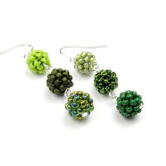https://thecrimsonmoon.wordpress.com/2012/10/14/free-beaded-bead-tutorial-atom-beads/