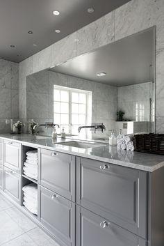 Feng Shui i Herrgårdsvillan - Homespo Bathroom Inspo, Bathroom Inspiration, Bathroom Design Small, Dream Bathrooms, Feng Shui, Future House, Interior Decorating, Room Decor, House Design