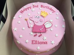 All fondant decorations. Peppa made using a template and cut out with a knife. Not my design, link attached to where I got the design from. 3rd Birthday Cakes For Girls, Peppa Pig Birthday Cake, Funny Birthday Cakes, Funny Cake, Tortas Peppa Pig, Cake Designs For Kids, Pig Cupcakes, Cake Templates, Birthday Cake Decorating