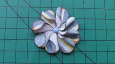 Paloma Scrapbook & Arte: Como fazer flor de papel para scrapbook usando fur...