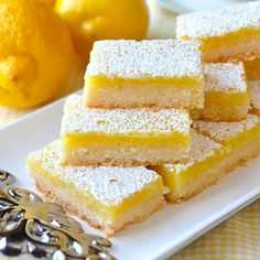 Easy Lemon Bars - made with only 5 simple ingredients! - Desserts Super Easy Lemon Bars - made with only 5 simple ingredients! - Desserts - Super Easy Lemon Bars - made with only 5 simple ingredients! Lemon Coconut Bars, Best Lemon Bars, Lemon Cake Bars, Recipe For Lemon Bars, Recipes With Lemon, Lemon Brownies, Lemon Dessert Recipes, Easy Lemon Squares Recipe, Recipes For Lemons