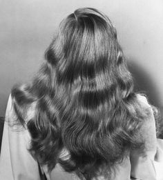 Veronica Lake hair - 1941