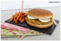 Burger, galette de pomme de terre, carotte et courgette, et chèvre