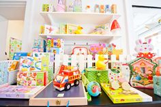 BABY MANUFACTUR children's boutique in Berlin. Shopping with kids. Visual merchandising.