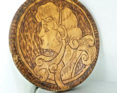 Vintage pirografi El Ayna - Victoria bayan - Eğimli Cam - Ahşap Flaman Sanatı Yakılan