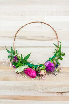 We're kicking off the first day of spring with a gorgeous DIY flower crown tutorial made by Shannon Mahoney ofThistle & Honeyand photographed byNicole Dianne! Whether you're heading to a backyard party or just want to feel like a spring queen, these crowns are the perfect project for you to try. No two flower crowns …