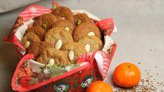 Pepperkaker med kaffe, appelsinskall og appelsinsaft i deigen. Det må litt planlegging til siden pepperkakene lages over to dager. Gingerbread Cookies, Stuffed Mushrooms, Wraps, Sweets, Baking, Vegetables, Desserts, Food, Gingerbread Cupcakes
