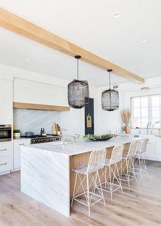 Luminous coastal chic home features breezy living in Newport Beach Interior Design Advice, Interior Design Kitchen, Interior Paint, Newport Beach, Coastal Style, Coastal Decor, Home Design, Design Ideas, Design Styles