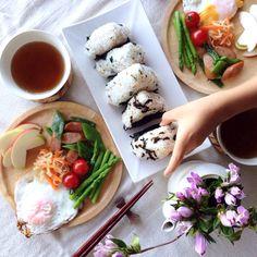 朝ごはんを一緒に食べる人を見つける Japanese Food, Japanese Recipes, Asian Recipes, Ethnic Recipes, Fresh Rolls, Life Is Good, Yummy Food, Healthy, Breakfast