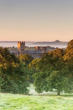 Wells Cathedral and Glastonbury Tor by Graham Duerden - somerset uk Somerset England, England And Scotland, England Uk, Glastonbury Tor, Glastonbury England, Wells Somerset, English Countryside, Kirchen, Great Britain
