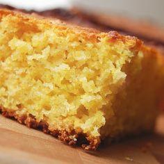Esta tradicional receta de pastel de elotes tiernos con rompope sirve para festejar en cualquier ocasión.