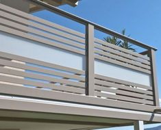 ALU Design Palm rnrnSource by sstkl Balcony Glass Design, Glass Balcony Railing, Balcony Grill Design, Balcony Railing Design, Window Grill Design, Terrace Grill, Balustrade Balcon, Balustrades, Modern Balcony