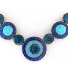 Collier en céramique artisanale - ' les confettis' modèle trio de bleus 2