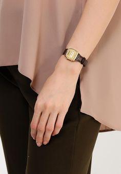 Часы Casio CASIO Collection LA670WEGL-9E купить за 3 830 руб CA077DUSMS83 в интернет-магазине Lamoda.ru