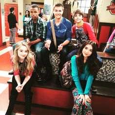 Girl Meets World✨ Girl Meets World Cast, Boy Meets World Quotes, Disney Channel Shows, Disney Shows, Sabrina Carpenter Movies, Corey Fogelmanis, Maya, Peyton Meyer, Riley Matthews