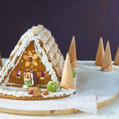 Gingerbread House: fairytale recipe & instructions to make yourself Christmas Food Gifts, Homemade Christmas, Christmas Decorations, Christmas Cakes, House Decorations, Winter Birthday Parties, Recipe Instructions, Cookie Desserts, Food Art