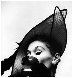 Lisa Fonssagrives, photo by Irving Penn, New York, 1949