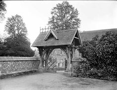 Lych gate at St Mary's Church, Whitchurch-on-Thames, Oxfordshire English Heritage, Gate, England, House Styles, Portal, English