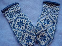 """""""Jane Gardner"""" - Vivianne - Sweden: Beautiful designs on mittens Knitted Mittens Pattern, Knit Mittens, Knitting Socks, Knitting Stitches, Baby Knitting, Knitting Patterns, Knitted Gloves, Norwegian Knitting, Wrist Warmers"""