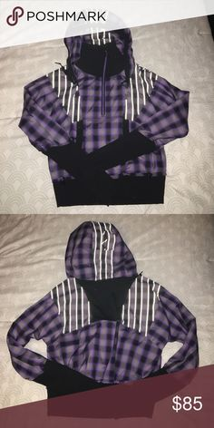 Lululemon Reflective Pullover Jacket! Awesome jacket! Only worn a few times! It's a light weight spring jacket. ❌Trades❌Holds lululemon athletica Jackets & Coats