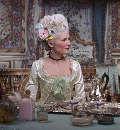 Kirsten Dunst as Marie Antoinette, Sofia Coppola Film Sofia Coppola, Versailles, Kirsten Dunst, Period Costumes, Movie Costumes, Marie Antoinette Movie, Marie Antoinette Costume, Georgia O'keeffe, Rococo Fashion