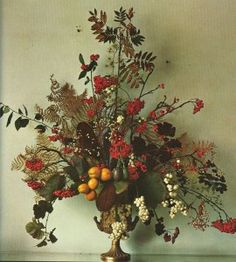 NOW AND THEN: Flowers by Emily Thompson and Constance Spry - Decor Arts Now