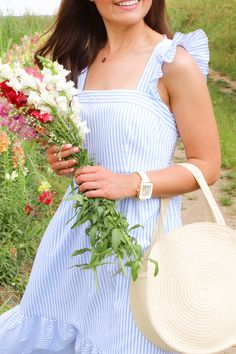 Need some inspiration on some fun activities to do while you're home? I'm sharing 5 fun activities below! Visit a flower farm. What better time to visit Glam Dresses, Comfy Dresses, Spring Dresses, Spring Outfits, Fun Activities To Do, Spring Activities, Jasmine Dress, Spring Looks, Spring Style