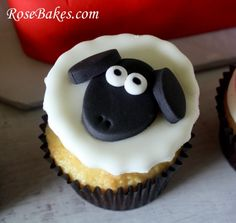 How to Make Fondant Sheep Face Cupcake Toppers Farm Animal Cupcake Toppers Series, Part 3 Deco Cupcake, Fondant Cupcake Toppers, Cupcake Cakes, Cup Cakes, Sheep Cupcakes, Farm Animal Cupcakes, Animal Cakes, Sheep Face, Cow Face