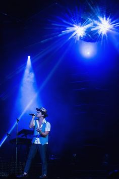 Blue vest & blue lights at a recent Seattle performance.