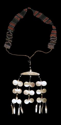 Philippines - Apayao | Pectoral necklace ~ sipatal ~ from the Isneg people; mother of pearl, glass beads, silver beads, agate, brass and plant fiber // ©Quai Branly Museum. 70.2001.27.823 Tribal Jewelry, Gold Jewelry, Jewelry Accessories, Fashion Accessories, Jewelry Ideas, Filipino Fashion, Philippines Culture, Culture Clothing, Filipiniana