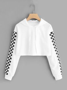 Contrast checked sleeve crop hoodie in 2019 inspiration crop top. Pullover Jacket, Pullover Outfit, Crop Top Hoodie, Cropped Hoodie, Crop Top Outfits, Cute Casual Outfits, Teen Fashion Outfits, Outfits For Teens, Pullover Design