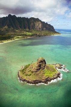 Hawaii, Windward Oahu, Kaneohe Bay, Aerial of Mokoli'i Island (Chinaman's Hat) and Koolau Mountains in the distance