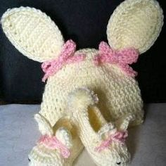 Easter Crochet Baby Hat and Bootie Set Size Months 105b68a8c1f