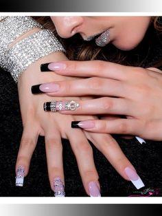 Artistic Nail art for you! Just visit Afrina Beauty Saloon for beautiful Nail Art  #AfrinaBeauty #beautysalonUAE #Mirdiff #AfrinaBeautySalon #Dubai #Sharjah #nail #nailart #naildesign