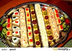 Sýrové variace recept - TopRecepty.cz Appetizer Sandwiches, Tea Sandwiches, Appetizers, Czech Recipes, Ethnic Recipes, Salty Snacks, Food Decoration, Diy Food, Hot Dog Buns