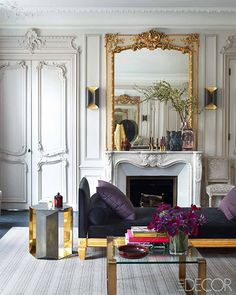 glamorous Parisian apartment by Champeau Wilde Design (featured in Elle Decor) - great use of metallics Chic Apartment Decor, Parisian Apartment, Apartment Therapy, French Apartment, Apartment Living, Paris Rooms, Paris Apartments, Interior Exterior, Home Interior