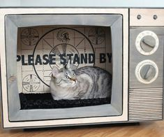 Hand made retro tv cat bed  Catastrophic creations