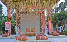 55 Ideas For Vintage Wedding Ceremony Backdrop Hanging Flowers Vintage Wedding Flowers, Purple Wedding Flowers, Wedding Colors, Pink Flowers, Wedding Ideas, Wedding Themes, Trendy Wedding, Invites Wedding, Minimal Wedding