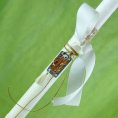 Λαμπάδα λευκή με κόσμημα (λευκή φουντίτσα), ύψους 30cm  #lampades #λαμπαδες #ManolasDeco