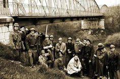 Mítica foto que paso a la historia en el Puente de Arganda.