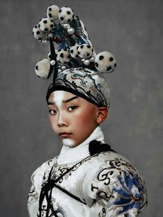 Wangy Xin Yu & The Peking Ópera / Harper's Bazaar China May 2016. Photos by Kiki Xue