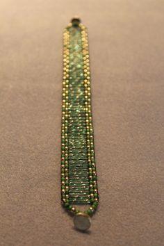 off loom beading stitches Bead Loom Bracelets, Beaded Bracelet Patterns, Bead Loom Patterns, Jewelry Patterns, Beading Patterns, Beading Ideas, Beading Tutorials, Seed Bead Jewelry, Bead Jewellery