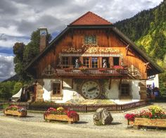 The Black Forest in southwest Germany is home to the cuckoo clock, the Grimm Brother's fairy tales and world-renowned thermal spas. We have compiled a list of things to do, attractions to see and the…MoreMore  Germany Travel  Tener más información en nuestro sitio   http://storelatina.com/germany/travelling #Alemanha #viagemgermany #viajem #viagemalemanha