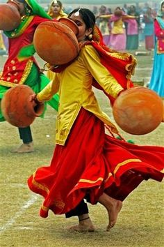 Traditional dance of India... hope those aren't heavy...