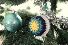 I've been whipping up some of these super cute crochet baubles lately after being inspired by some I've seen around Pinterest and Instagram. They're really easy to make - especially as they make us...