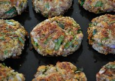 Lemon-Spinach Tuna Burgers These sound so good, but I would use pork skins instead of panko for less carbs