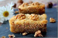Ktayef , pâtisserie algérienne Arabic Sweets, Arabic Food, Algerian Recipes, Algerian Food, Phyllo Dough, Eastern Cuisine, Vanilla Cake, Banana Bread, Cake Recipes